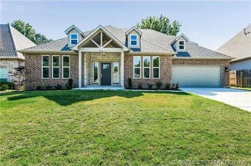 Photo of 9112 S 76th East Avenue, Tulsa, OK 74133 (MLS # 2003500)