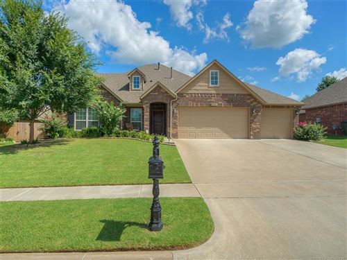 Photo of 9407 E 92nd Street, Owasso, OK 74055 (MLS # 1918514)