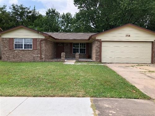 Photo of 2718 S 120th East Avenue, Tulsa, OK 74129 (MLS # 2023523)