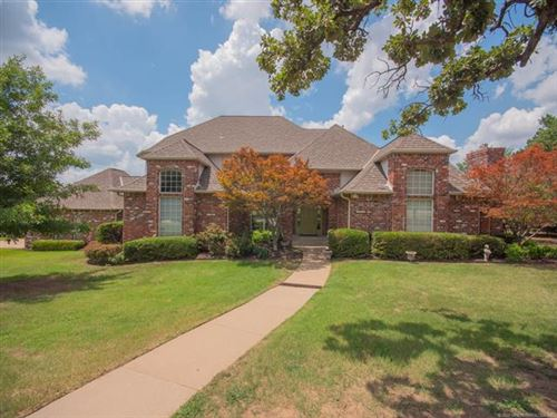 Photo of 7140 Oak Fairway Street, Tulsa, OK 74131 (MLS # 1939530)