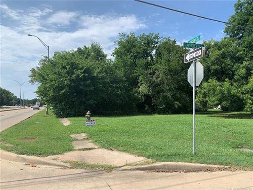 Photo of 1030 N Wood Drive, Okmulgee, OK 74447 (MLS # 2025531)