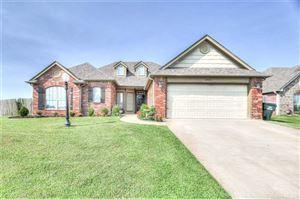 Photo of 10425 E 143rd Court North, Collinsville, OK 74021 (MLS # 1931540)