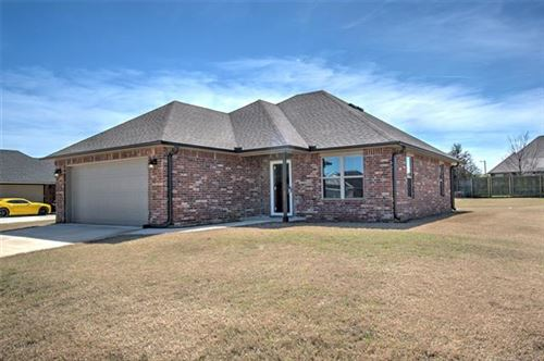 Photo of 607 Clubhouse Drive, Muskogee, OK 74403 (MLS # 2011540)