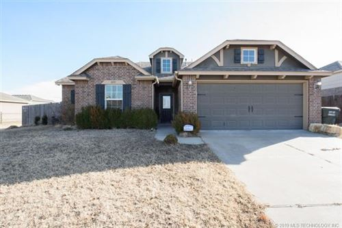 Photo of 10915 N 117th East Place, Owasso, OK 74055 (MLS # 1943551)