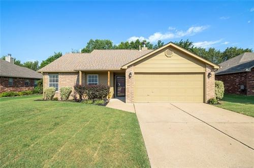 Photo of 11818 N 107th East Avenue, Collinsville, OK 74021 (MLS # 2023575)