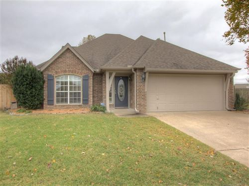 Photo of 11715 S Holley Court, Jenks, OK 74037 (MLS # 2038603)
