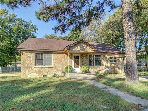 Photo of 703 N Vinita Avenue, Tahlequah, OK 74464 (MLS # 2033606)