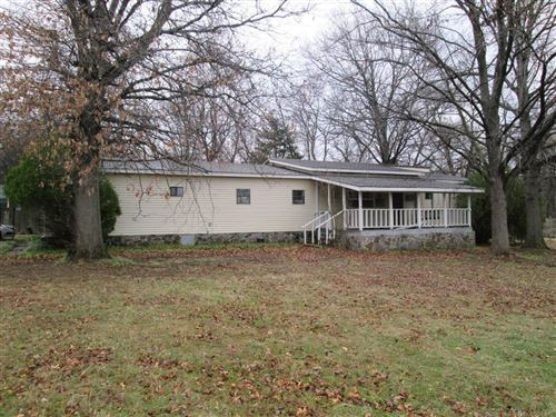 Photo of 1812 N County Line Road, Fort Gibson, OK 74434 (MLS # 1910614)