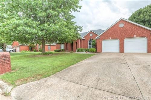 Photo of 1808 SW 2nd Place, Wagoner, OK 74467 (MLS # 2017620)