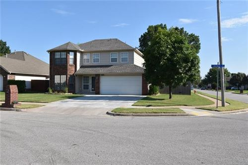Photo of 1629 W Delmar Street, Broken Arrow, OK 74012 (MLS # 2028670)