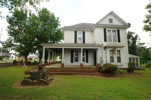 Photo of 504 S Broadway Street, Coweta, OK 74429 (MLS # 1920686)