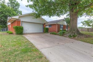 Photo of 702 W Canton Street, Broken Arrow, OK 74012 (MLS # 1931695)