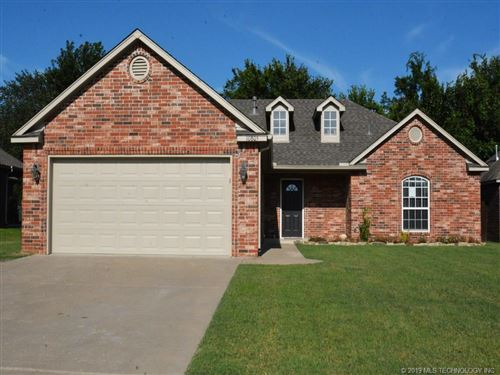 Photo of 10805 N 98th East Avenue, Owasso, OK 74055 (MLS # 1925706)