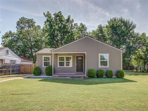 Photo of 604 N Jefferson Avenue, Wagoner, OK 74467 (MLS # 2022708)