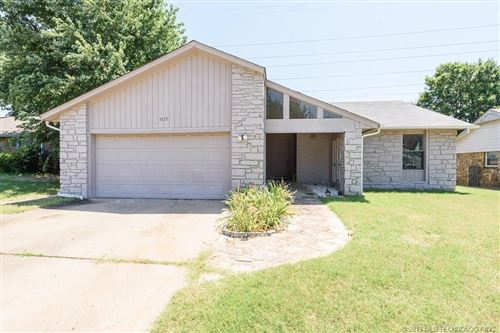 Photo of 3717 N Narcissus Avenue, Broken Arrow, OK 74011 (MLS # 1926717)