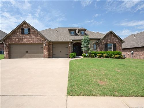 Photo of 9404 N 96th East Avenue, Owasso, OK 74055 (MLS # 1924721)