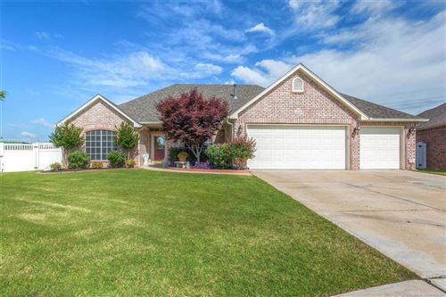 Photo of 1200 E Yakima Street, Broken Arrow, OK 74012 (MLS # 1920730)
