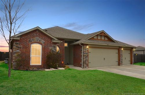 Photo of 13057 E 133rd Street North, Collinsville, OK 74021 (MLS # 1918743)