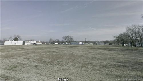 Photo of 1190 N Mingo Road, Tulsa, OK 74116 (MLS # 2111767)