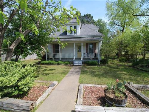 Photo of 812 N Main Street, Gore, OK 74435 (MLS # 2007773)
