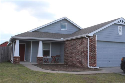 Photo of 10412 S Olmsted Place, Jenks, OK 74037 (MLS # 2012788)