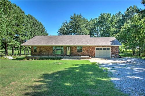 Photo of 1411 N County Line Road, Fort Gibson, OK 74434 (MLS # 1922808)