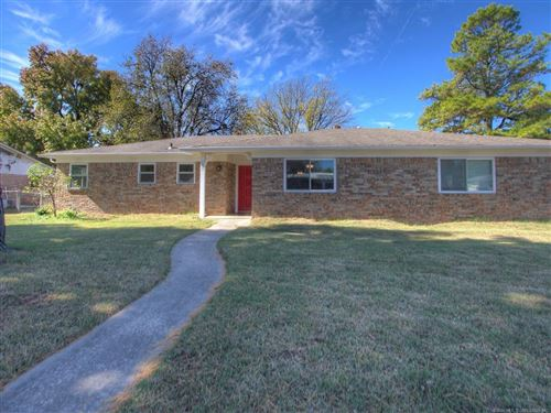 Photo of 622 N Juniper Street, Jenks, OK 74037 (MLS # 2036812)