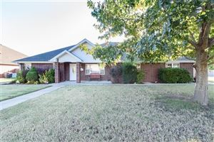 Photo of 2004 Stanford Drive, Bartlesville, OK 74006 (MLS # 1935818)