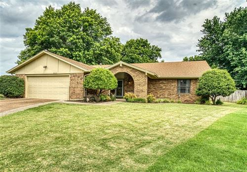 Photo of 8521 E 77th Place, Tulsa, OK 74133 (MLS # 2020820)