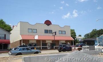 Photo of 512 S Muskogee Avenue, Tahlequah, OK 74464 (MLS # 2107821)