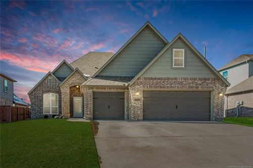 Photo of 3822 S 13th Place, Broken Arrow, OK 74011 (MLS # 2004835)
