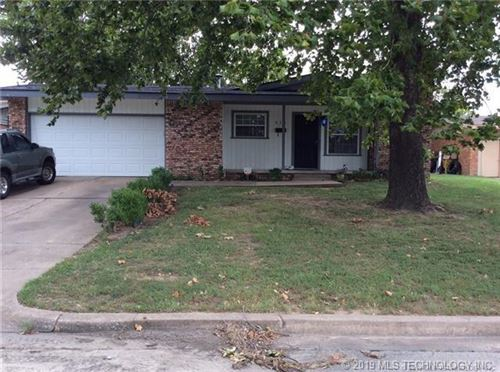 Photo of 511 S 104th East Avenue, Tulsa, OK 74128 (MLS # 1913860)