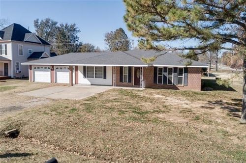 Photo of 801 E Pine Street, Chelsea, OK 74016 (MLS # 1939877)