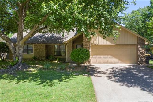 Photo of 8319 E 107th Place, Tulsa, OK 74133 (MLS # 2017877)