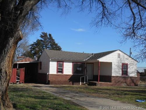 Photo of 308 Shawnee Avenue, Dewey, OK 74029 (MLS # 2010878)