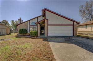 Photo of 462 W 146th Place, Glenpool, OK 74033 (MLS # 1940901)