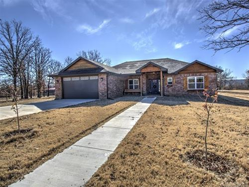 Photo of 1051 County Road 2487 Road, Barnsdall, OK 74002 (MLS # 1940923)