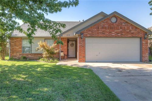 Photo of 2113 W Maple Place, Collinsville, OK 74021 (MLS # 1928924)