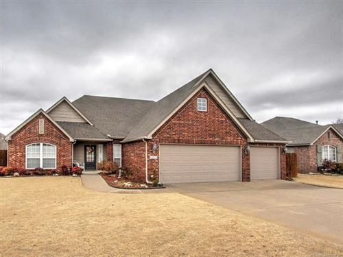 Photo of 5312 Barr Drive, Sand Springs, OK 74063 (MLS # 2000935)