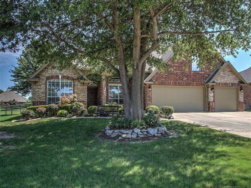 Photo of 4205 S Redbud Place, Broken Arrow, OK 74012 (MLS # 1925949)