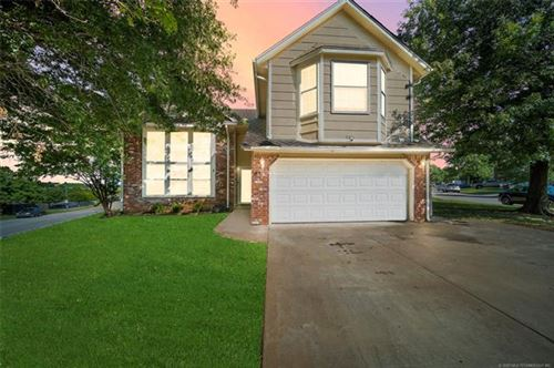 Photo of 9214 E 93rd Place, Tulsa, OK 74133 (MLS # 2023959)