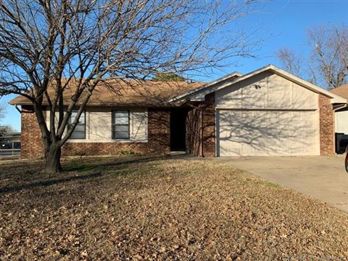 Photo of 1203 E 140th Street, Glenpool, OK 74033 (MLS # 2000978)