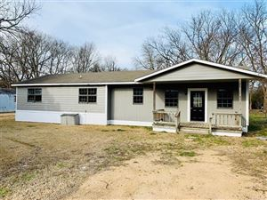 Photo of 209 13th Street, Mannsville, OK 73447 (MLS # 1933983)