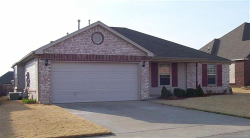 Photo of 11722 S Gum Avenue, Jenks, OK 74037 (MLS # 2100984)