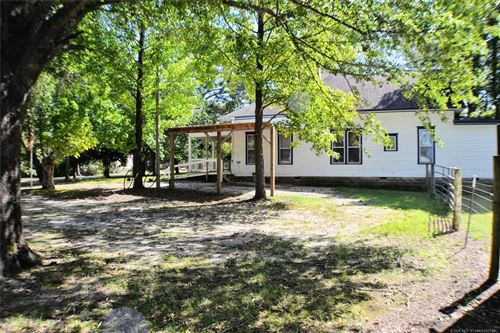Photo of 304 N Dennis Street, Vian, OK 74962 (MLS # 2012990)