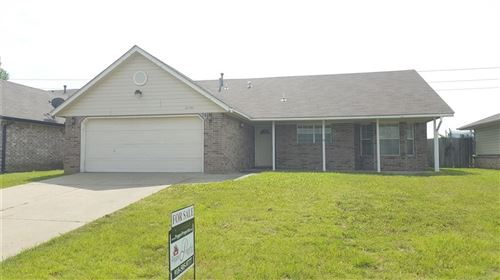 Photo of 24742 S Heartwood Drive, Claremore, OK 74019 (MLS # 1921993)