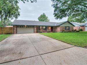 Photo of 400 Lee Drive, Bartlesville, OK 74006 (MLS # 1936993)