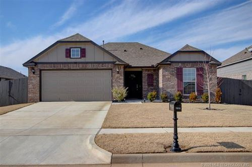 Photo of 7214 S Laurel Place, Broken Arrow, OK 74011 (MLS # 2002999)