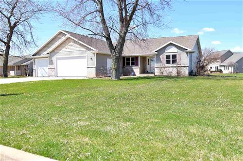 Photo of W5262 ARBOR VITAE Court, SHERWOOD, WI 54169 (MLS # 50221002)