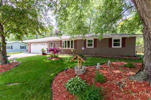 Photo of 853 HILLCREST Heights, GREEN BAY, WI 54313 (MLS # 50207004)